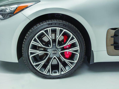Kia Stinger Alloy Wheel